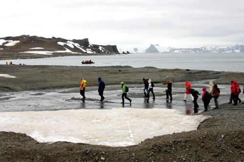 南極旅行:南極フライ&クルーズ